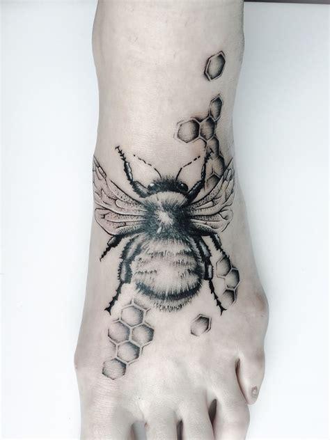 my tattoo girls my bumble bee bumble bee tattoos tattoos