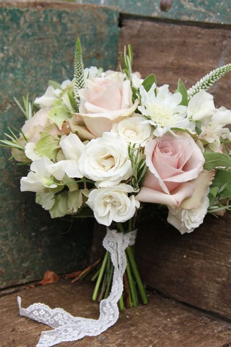 neutral mink beige wedding theme bridal bouquets 결혼식 부케 결혼식 웨딩카