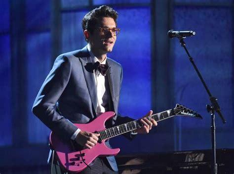 2015 Grammys: Ed Sheeran and John Mayer Duet to Everyone's