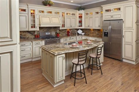 pictures of kitchens with cream cabinets cream glazed kitchen cabinets
