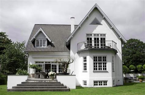 simply grey and white home design ideas