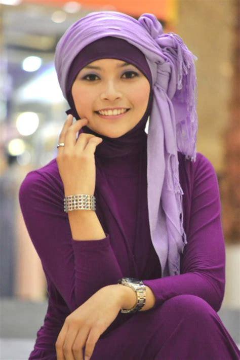 Jilbab Anak Nakal tante arab semok 1 payudara montok 1 foto nonami