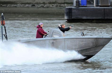 river thames jump stunt daniel craig s bond stunt double films high speed spectre