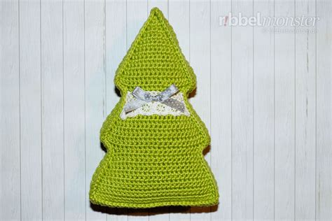 crochet small christmas tree pillow free pattern