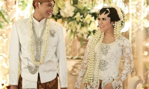 Wedding Adat Jawa Tengah by Pakaian Adat Jawa Tengah Beserta Keterangannya Lengkap