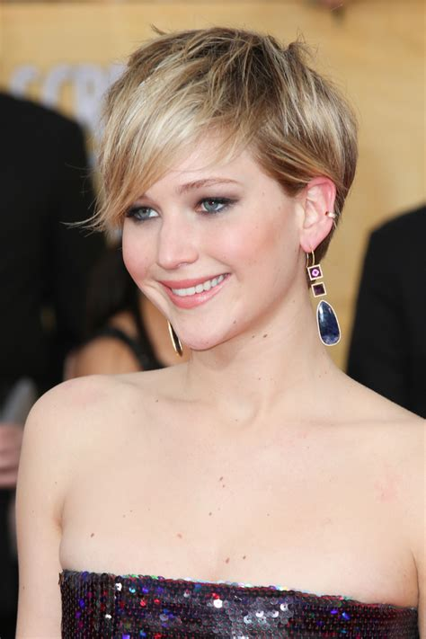 Cele bitchy   Jennifer Lawrence in Dior at the SAGs