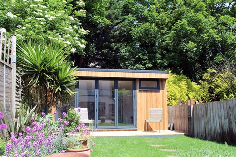 garden studio with bathroom built in west