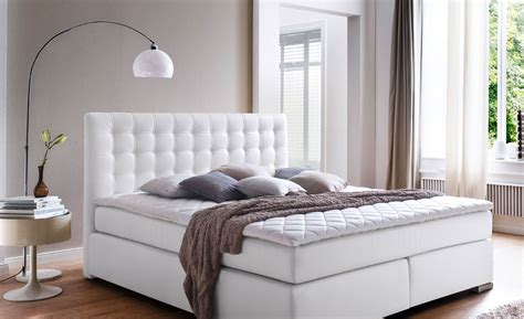 nachttisch weiß für boxspringbett modernes wohnen farben