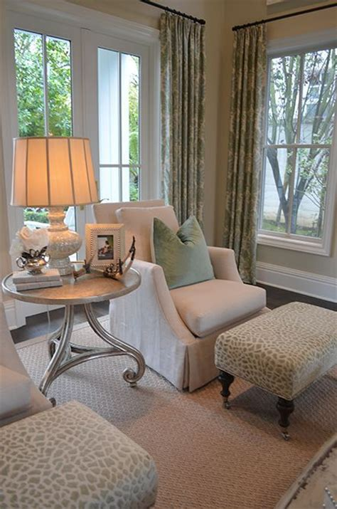 sitting chairs for bedroom best 25 bedroom sitting areas ideas on pinterest