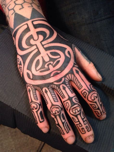 polynesian hand tattoo designs maori on tattoochief tattoos