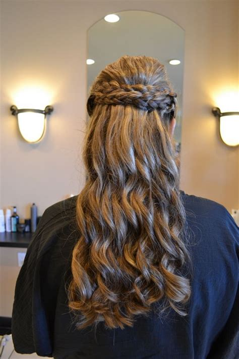 Bridesmaid Hairstyles For Medium Curly Hair by Curly Hairstyles For Bridesmaids