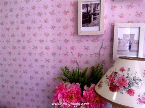 cara memasang wallpaper dinding murah 101 cara memasang wallpaper dinding rumah sendiri