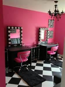 a supermom builds a vanity room for