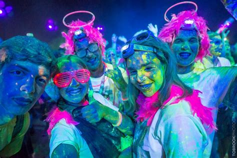 color run the color run 2017 goes nocturnal and turns into the
