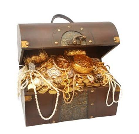 A Box Of Treasures by Biz Treasure Chest