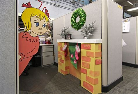 cubicle holiday decorating contest themes creative office decorating ideas for 2017