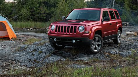 toyota jeep 2016 comparison jeep patriot 2016 vs toyota 4runner sr5