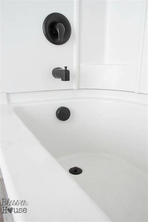 can you spray paint a bathtub 25 best ideas about paint door knobs on pinterest