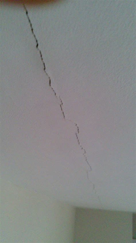 Filling Cracks In Plaster Ceiling by How To Stop Hairline Cracks In Sheetrock Join Coming Back