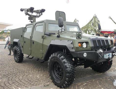 light armored vehicle for komodo 4x4 produksi pt pindad berita terkini militer hankam
