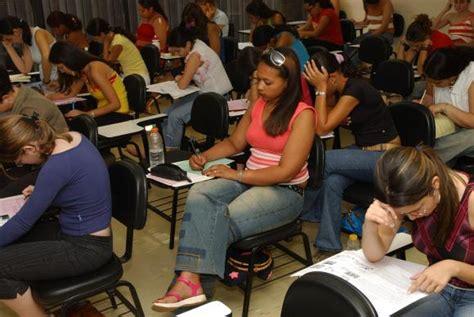 os dez cursos superiores do brasil que esto entre os mec prorroga prazo do fies devido 224 greve dos banc 225 rios