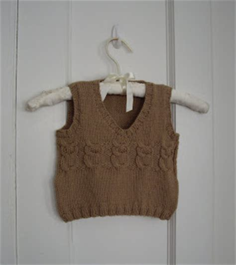 owl vest pattern here www ravelry com patterns library a caffeinated yarn owl baby vest