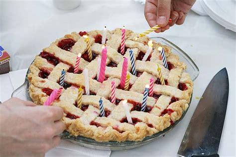 beautiful alternatives  birthday cakes jewelpie