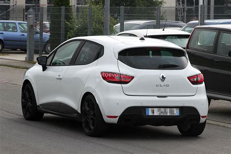 renault clio 2013 renault clio iv rs 210 spotted undisguised in white