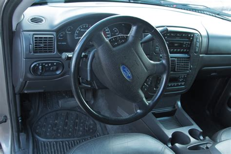 Ford Explorer 2002 Interior by 2002 Ford Explorer Interior Pictures Cargurus