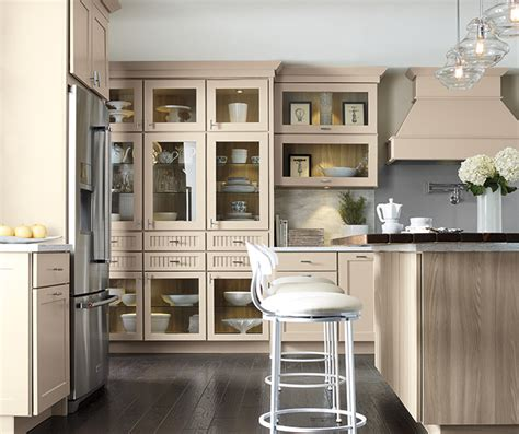 Transitional Kitchen with Beige Cabinets   Kemper Cabinetry