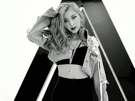 4minute s kwon so hyun looks effortlessly sexy in critical kpop turn it up a review of 4minute s crazy