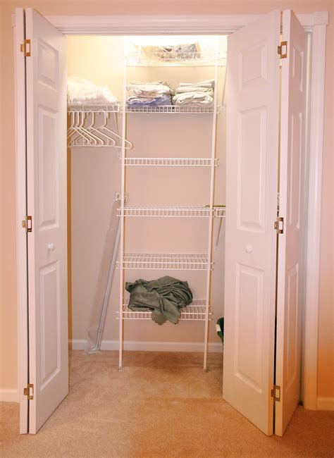 The Closet by File Wall Closet Jpg Wikimedia Commons