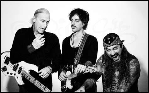 the winery dogs 1