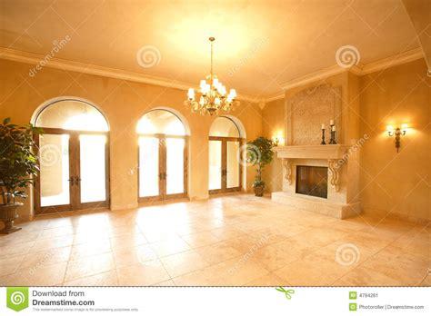 camini di lusso camino in una casa di lusso immagine stock immagine 4794261