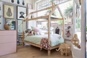 plan lit cabane fabriquer un lit cabane pour les petits loulous