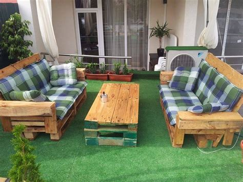 Upcycled Garden Furniture Ideas Outdoor Furniture Made With Pallets Pallet Ideas Recycled Upcycled Pallets Furniture Projects