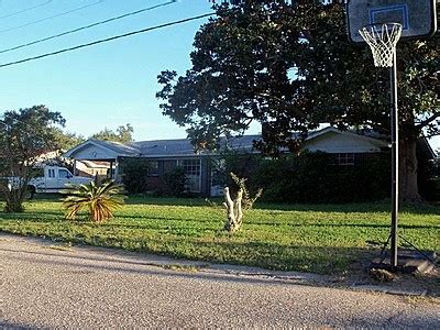 houses for sale gulf breeze fl 3243 west ave gulf breeze fl 32563 reo home details foreclosure homes free