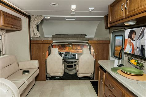 Minnie Winnie   Interior   Lounge   Winnebago RVs