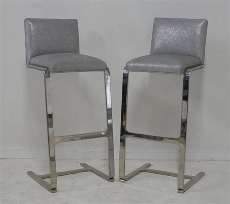 pair of brushed steel bar stools for sale at 1stdibs pair of bar height flat bar polished steel bar stools for
