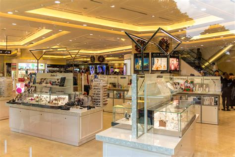 vogues ultimate retail guide the best shops in perth the ultimate guide to shopping in saigon the christina s