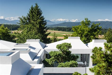 4 courtyard houses by think architecture 4 courtyard houses think architecture archdaily