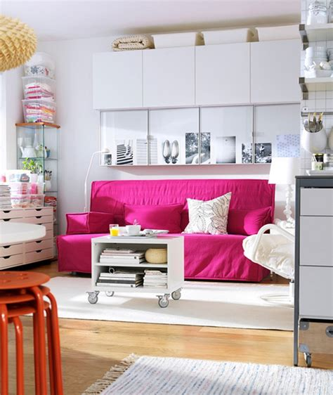 decorar sala  sofa fucsia
