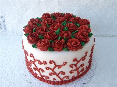 DHANYA'S DELIGHTS: Rose Cakes n' Cookies
