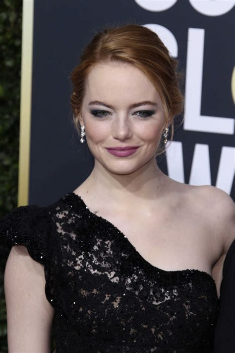 how old is actress emma stone emma stone lacelebs co