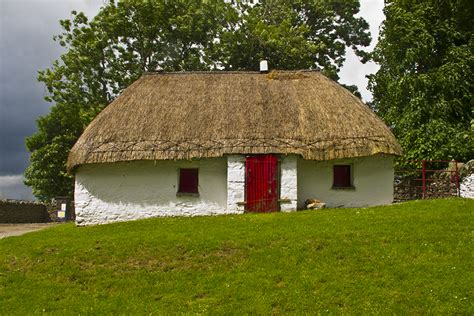 thatched roof cottage 2013 spirit of ireland tour dublin donegal doolin