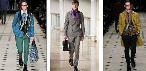 modi di portare la sciarpa moda uomo tre modi per indossare la sciarpa gqitalia it