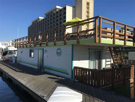 airbnb houseboat the ultimate airbnb bucket list in the united states