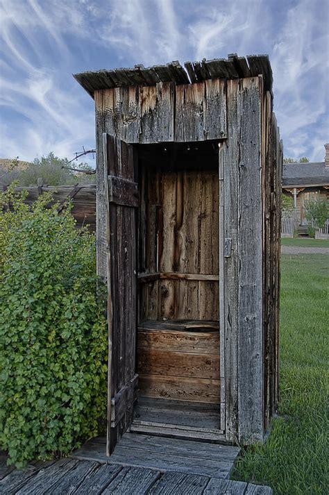 Bathroom Outhouse Decor » Home Design 2017