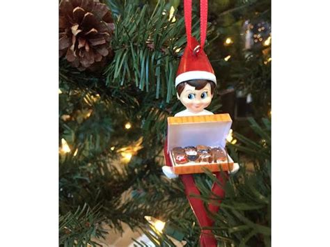 Dunkin? Donuts Holiday Gift Guide   Dunkin' Donuts