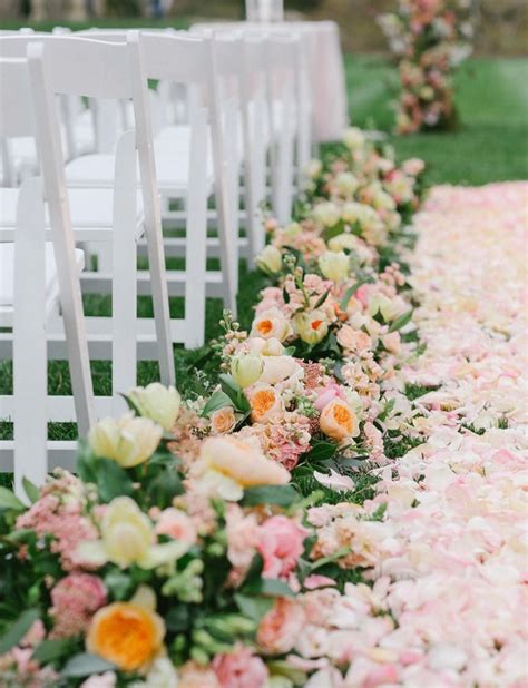 Wedding Aisle Flowers Pictures by The Six Fashion Trends Of Theme Wedding In 2016